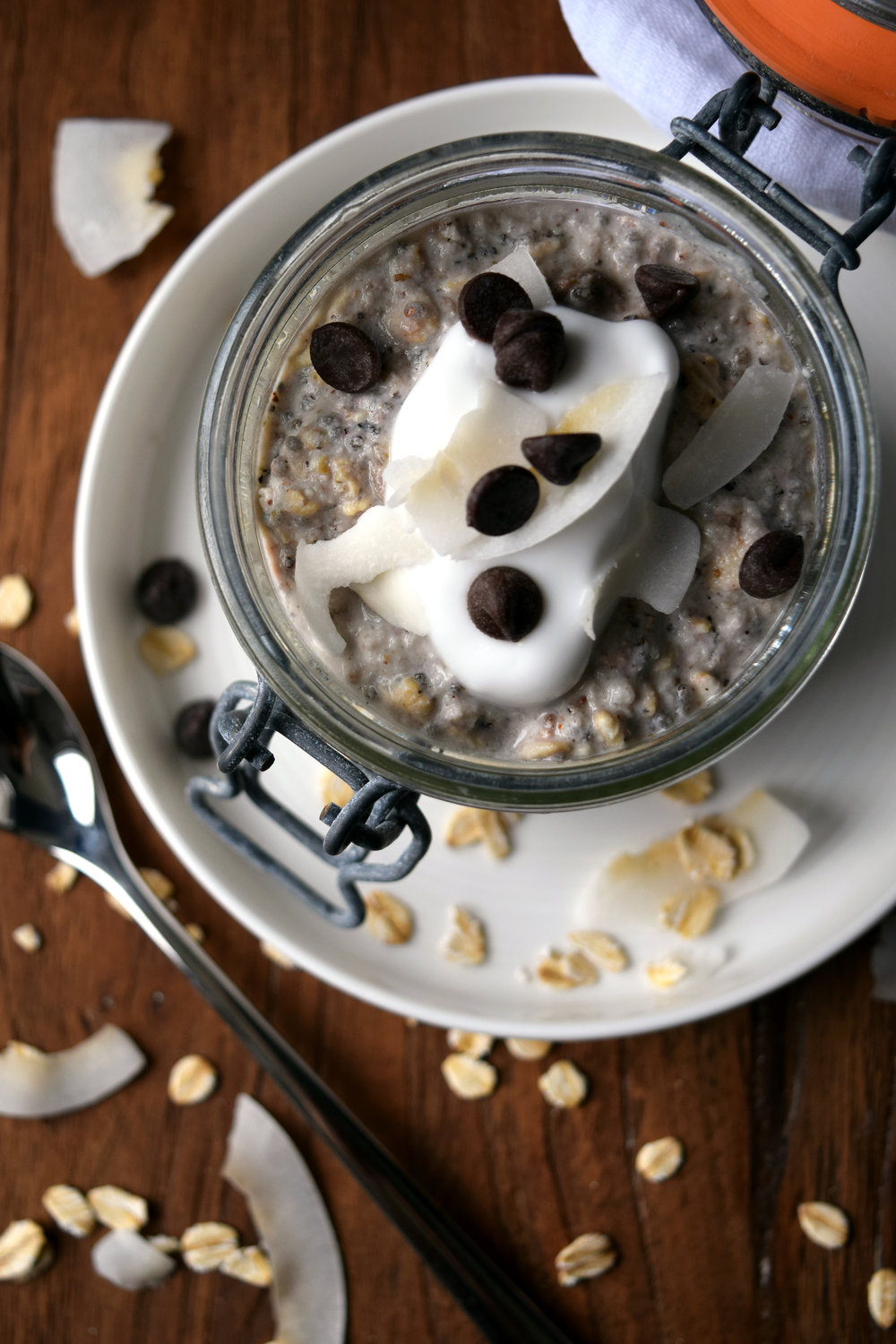 Creamy overnight oats made with cashew milk and coconut yoghurt.