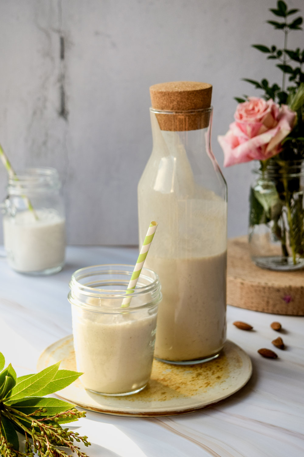 Almond milk smoothie_3.jpg
