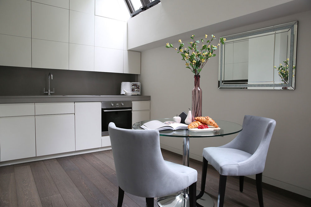 BoxNine7_Bolton_Studios_004_Kitchen_Dining_Area.jpg