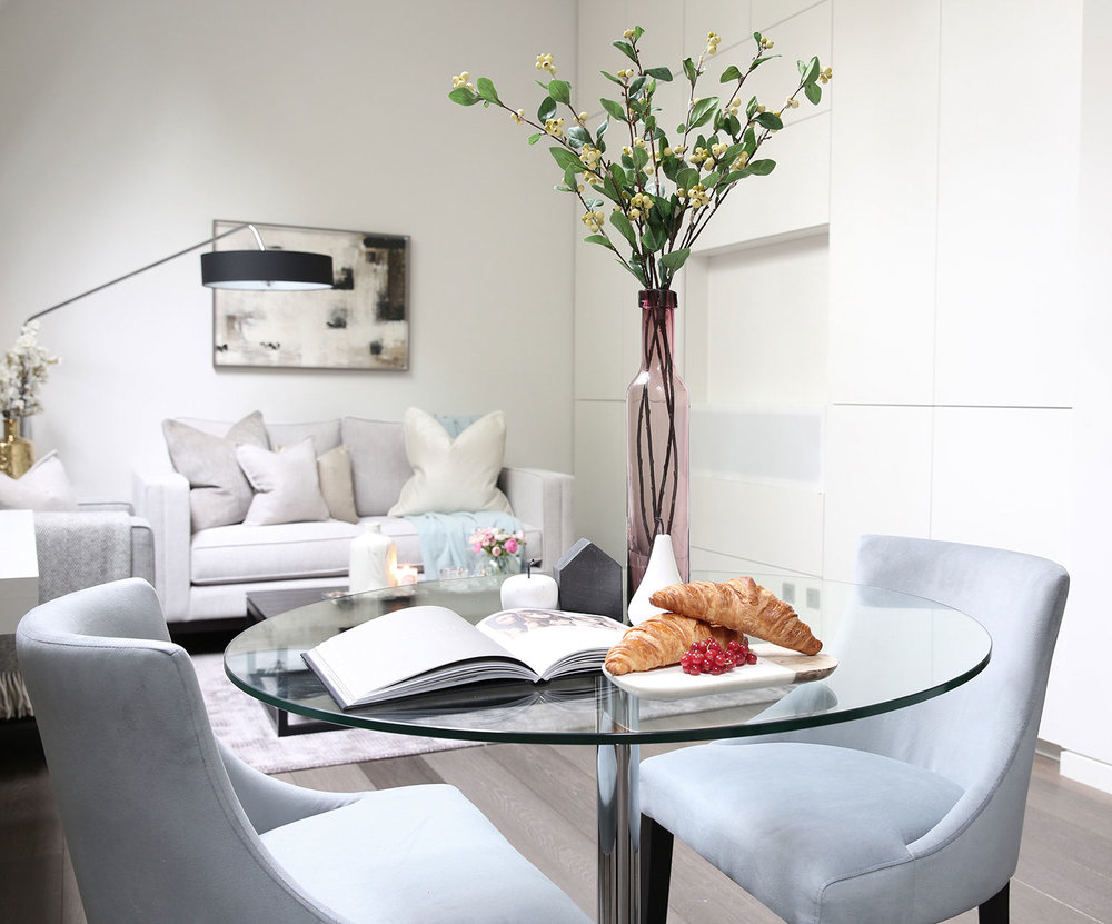 BoxNine7_Bolton_Studios_006_Living_Room_Entrance_Area_Sitting_Room_Dining_Area.jpg