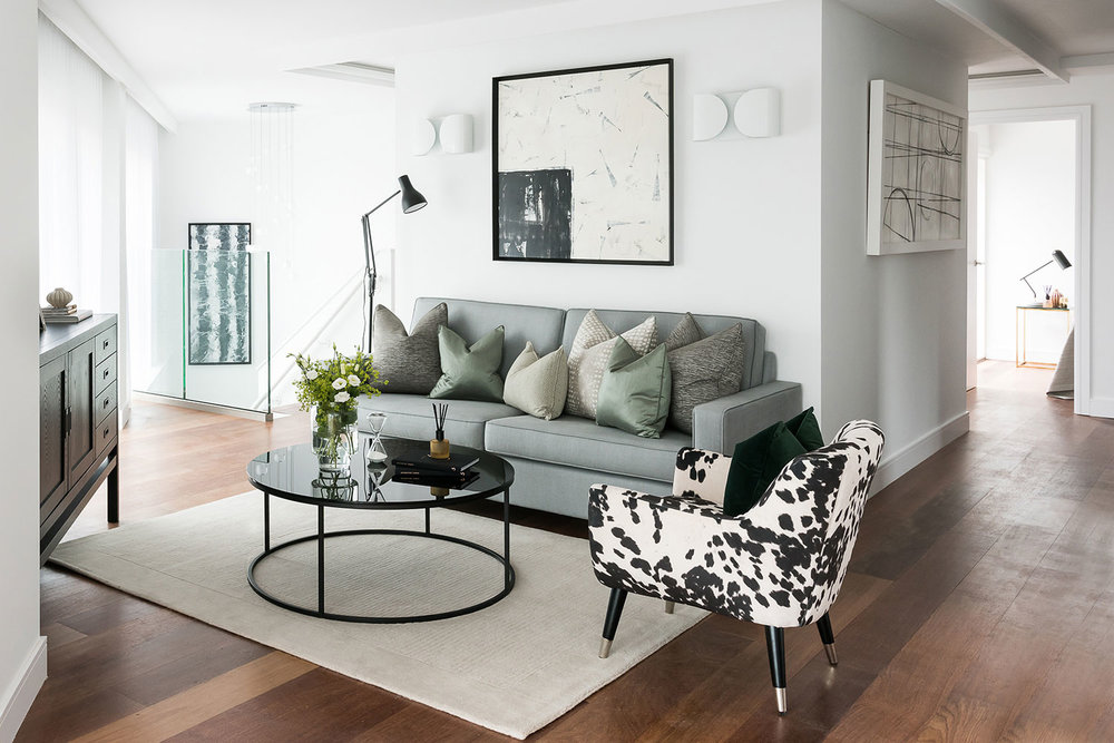 BoxNine7_Queenstown_Road_006_Living_Room_Entrance_Area_Sitting_Room.jpg