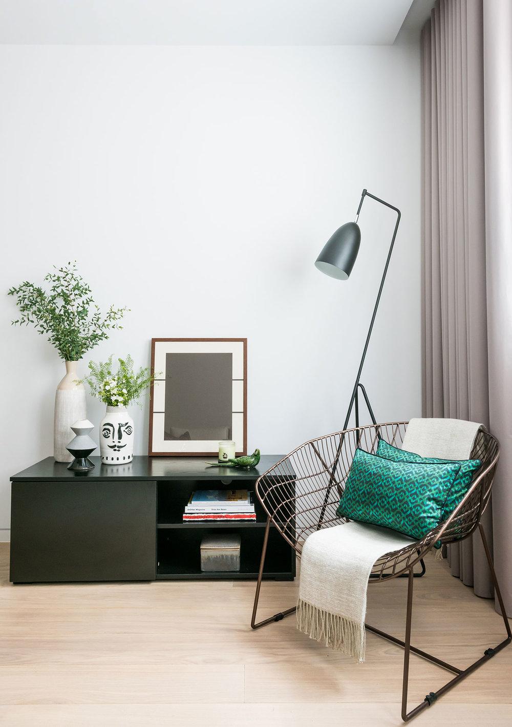 BoxNine7_Barts_Square_002_Living_Room_Entrance_Area_Sitting_Room.jpg