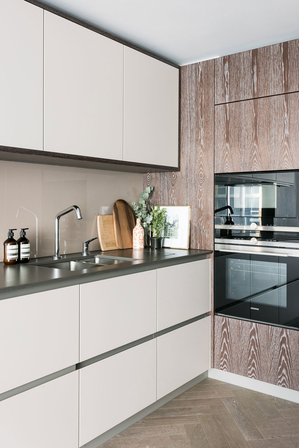 BoxNine7_Battersea_Power_Station_16_Kitchen.jpg
