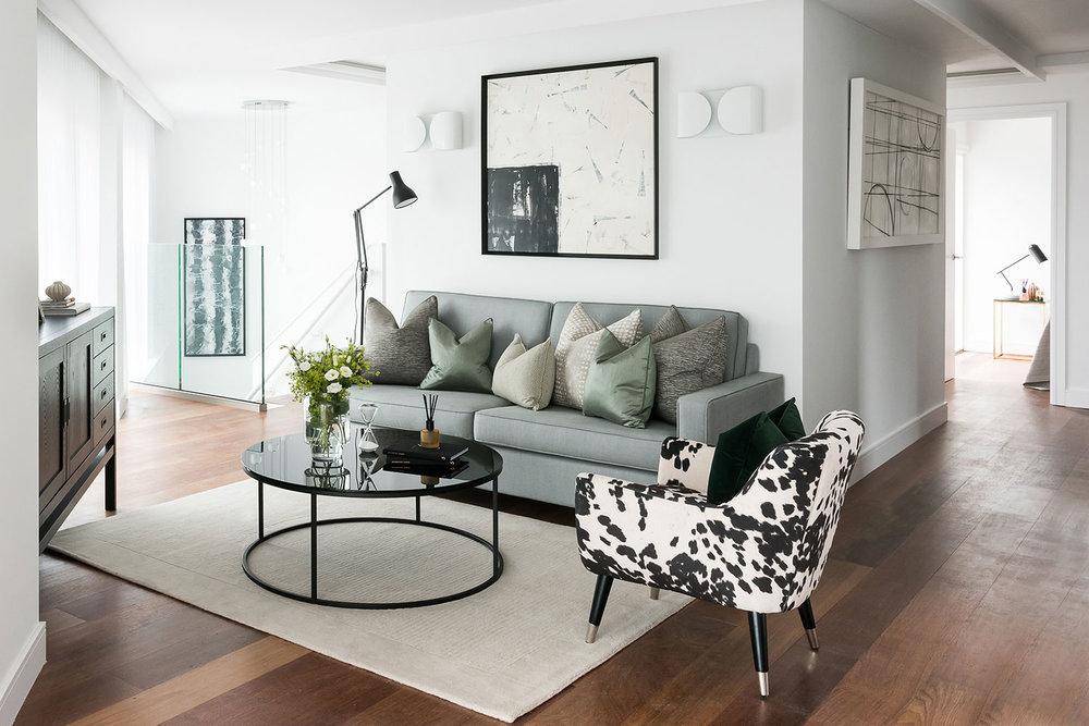 BoxNine7_Queenstown_Road_006_Living_Room_Entrance_Area_Sitting_Room.jpg