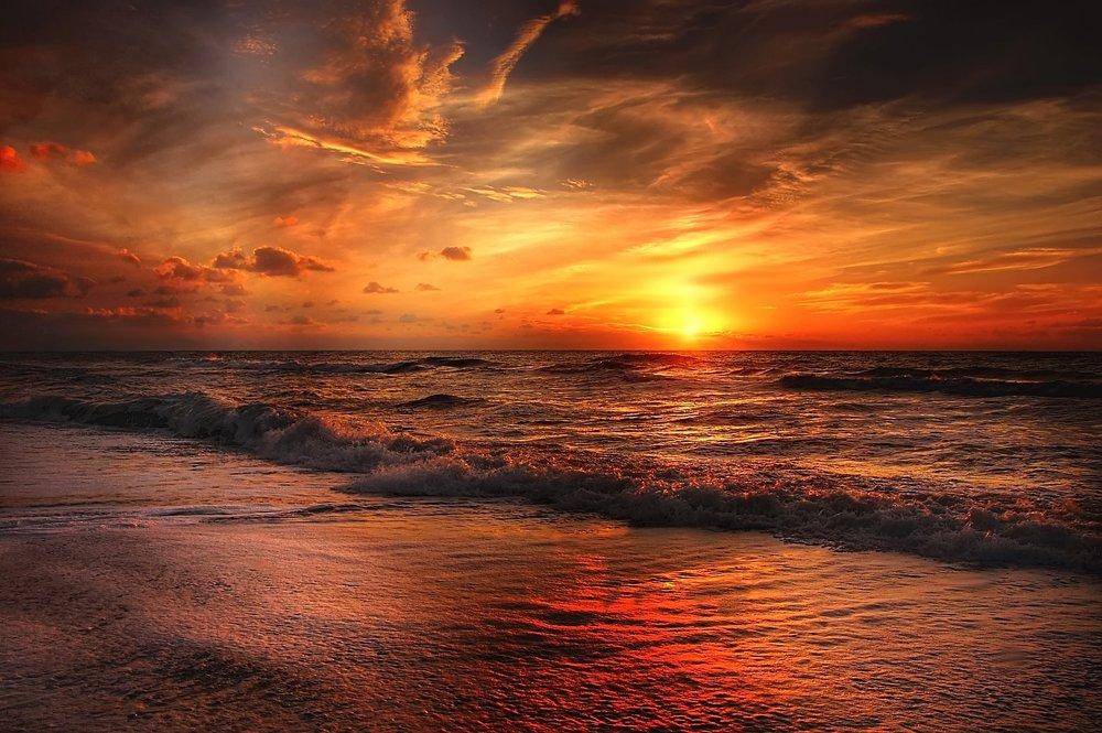 atardecer beach-2179624_1920.jpg