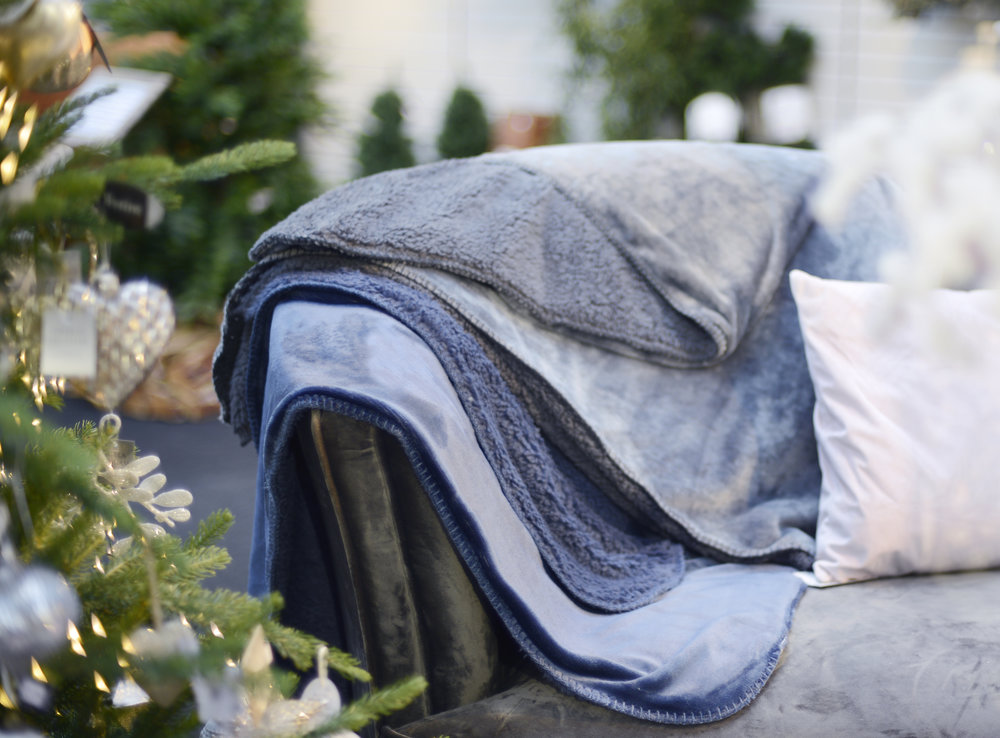 Have yourself a cosy little christmas… - We all look forward to snug nights in over Christmas, curled up on the sofa with the tree up, the fire lit and your favourite movie on…If you haven't already, then why not treat yourself or a friend to this super soft cosy throw? Available in a variety of colours.