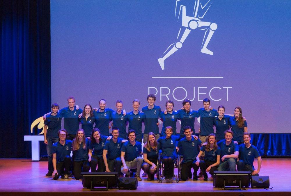 Het Team - Het samenwerken doet het project slagen!Wij zijn een super gemotiveerd team, constant op zoek naar nieuwe uitdagingen om ons einddoel te behalen. Project MARCH is een multidisciplinair studententeam, dat dit geweldige project tot een succes maakt en dat veel plezier heeft met elkaar!