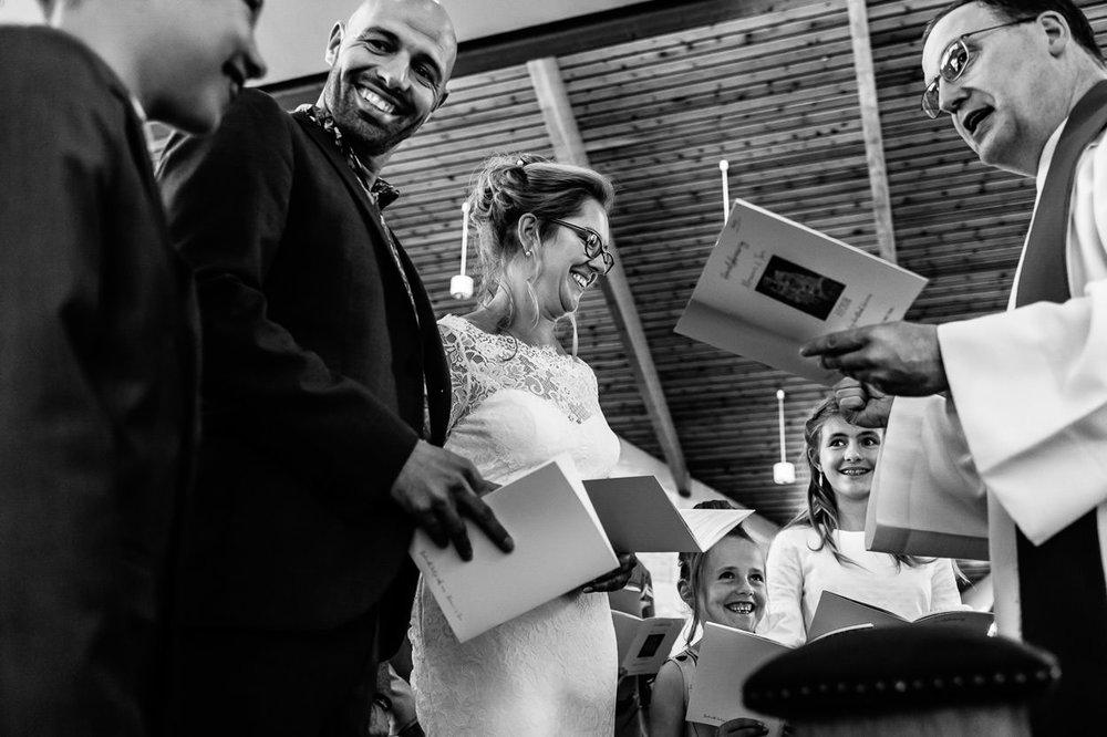 SAMEN TROUWEN - Het ja-woord van de kinderen van Marian & Tom was echt één van de mooie momenten op hun huwelijk. Deze 3 kanjers werden door hun geweldige mama en papa enorm betrokken bij deze speciale dag. Het gaf ons een gelukzalig gevoel om zo'n sterk gezin samen te zien genieten!