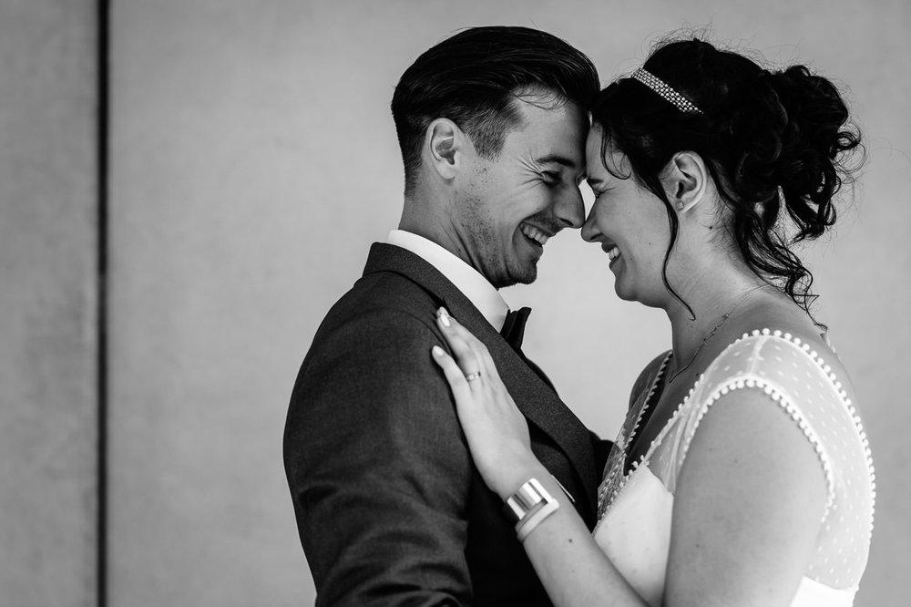 Massa's eigenheid - Nathalie & Piet hun eigenheid siert hen enorm. Ze kozen voor een huwelijk waar hun gevoel centraal stond. Geen klassieke dag, maar een dag zoals zij het wouden. Dit vinden wij echt fantastisch! Een koppel die het anders ziet en ook doet! Je zag ze gewoon genieten.