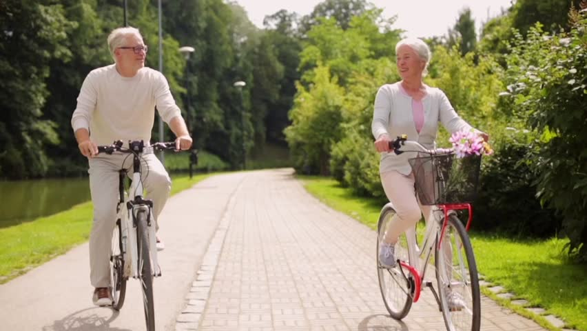 "2 - Riding a bike every day is good for your health. - A British study took a comprehensive look at the health benefits of bicycle commuting, and the results are staggering, writes Tom Babin of Shifter.info. Over the course of the study, the 263,450 subjects who were under review had a 41 per cent lower chance of death than those who didn't. ""Cycle commuters had a 52 per cent lower risk of dying from heart disease and a 40 per cent lower risk of dying from cancer. They also had 46 per cent lower risk of developing heart disease and a 45 per cent lower risk of developing cancer at all."" If you're interested in living a long and healthy life, daily exercise is essential. Riding a bike to get places is the easiest way to get that exercise without disrupting your daily routine."