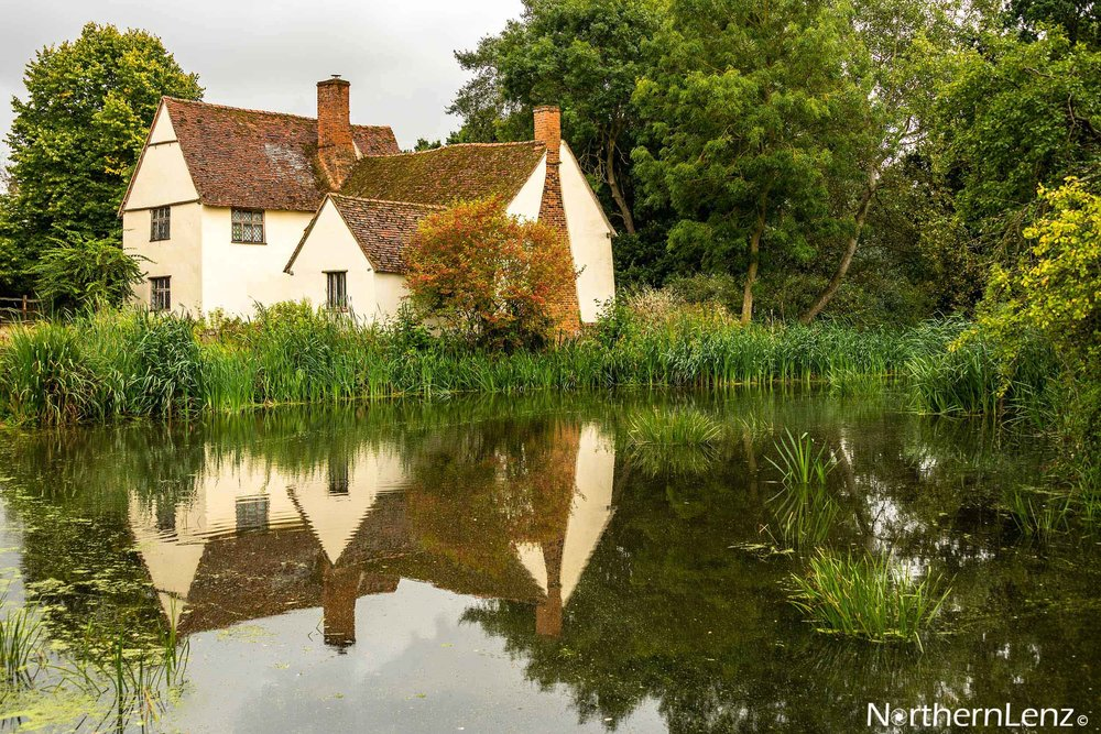 Willy Lott's cottage is a 16th century cottage in Flatford, Suffolk and features in John Constable's painting, The Hay Wain  Image Ref: RP10