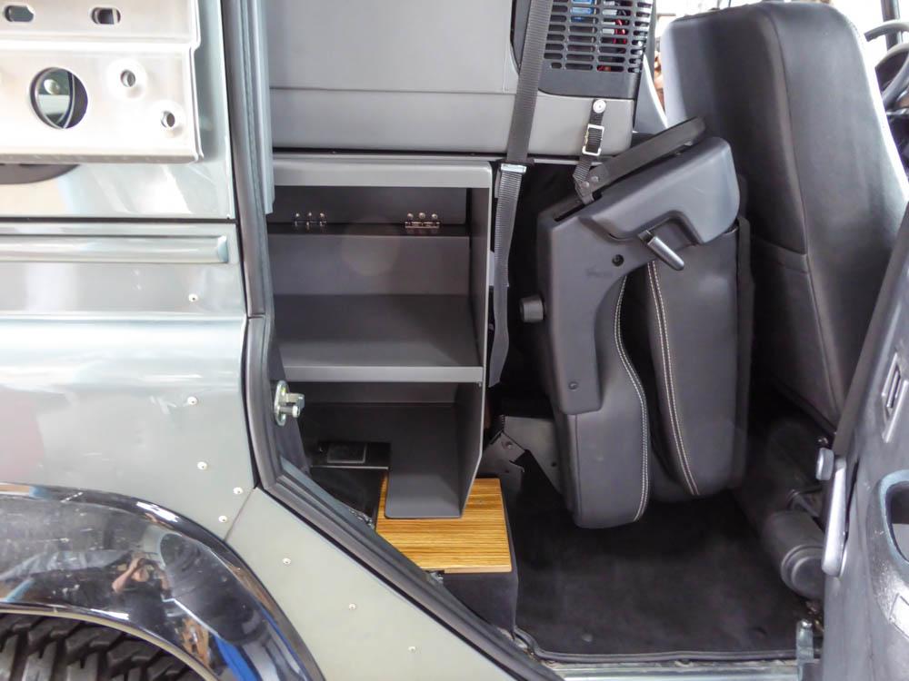 2&4-Pers.-Variante Standard L mit vorgeklappter 2. Sitzreihe (variabel)