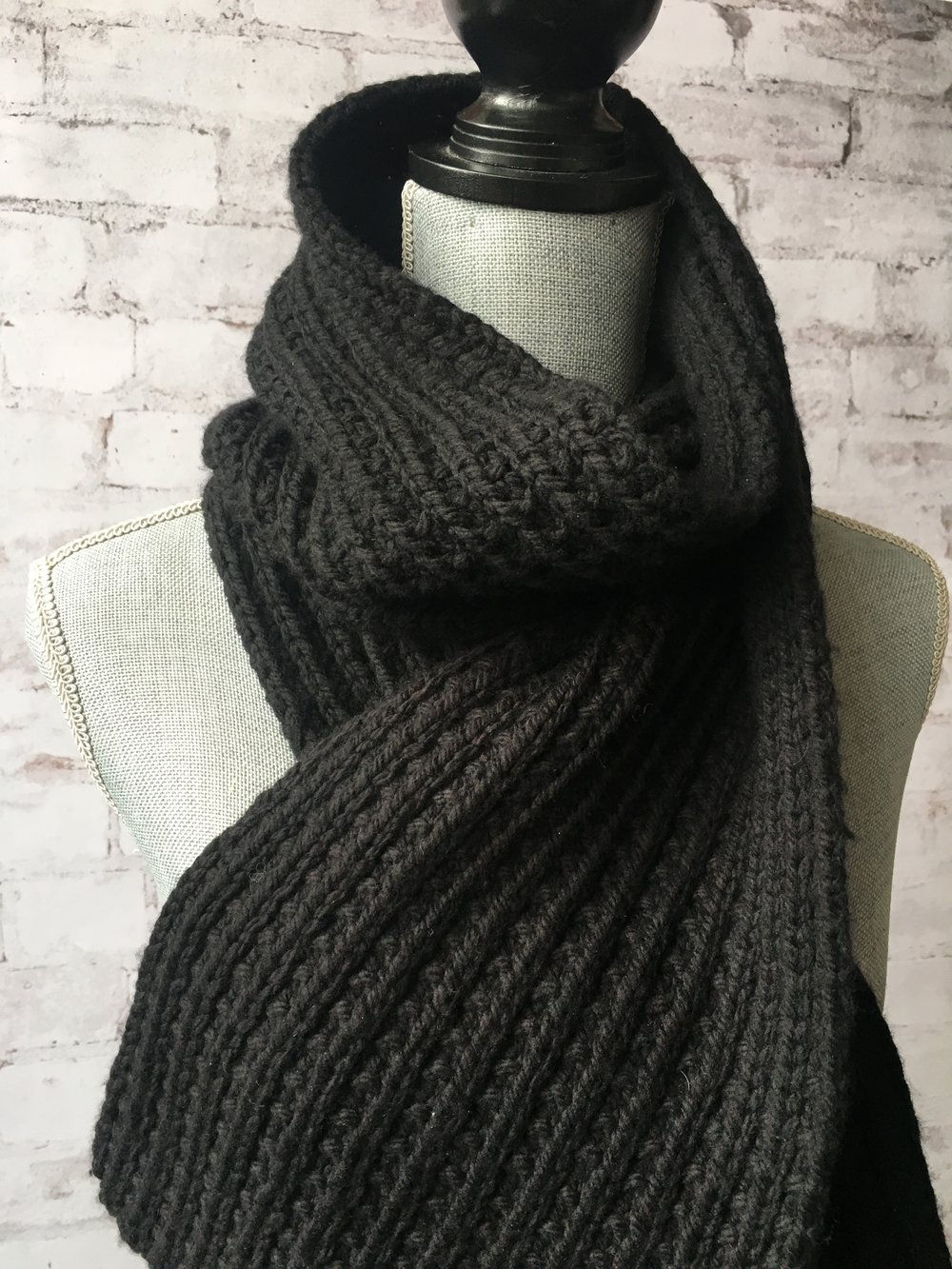 <strong>Deep River Scarf Pattern</strong>