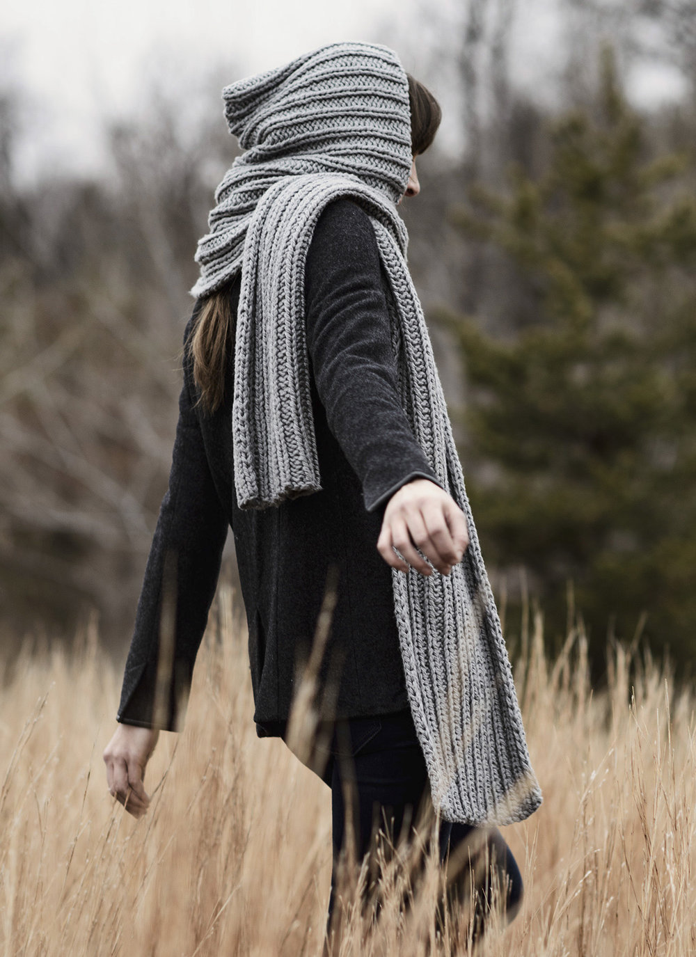 <strong>Breezy Point Hood Scarf</strong><br>.<br>.