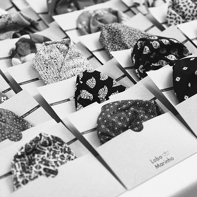 The Monocle Xmas Market took place last weekend in London and it couldn't have been a better event 🎅 Merry Christmas everyone! Get your perfect pocket square gift at our shop online (link in bio) special thanks to @vanessabarragao_work 🙏 @monoclemagazine #pocketsquare #monocle #monoclemagazine #giftsforhim #giftidea #xmas #market #productdesign #dapper #gent #handmade #handkerchief #acessories #menswear #menswearclothing #mnswr #mnswrmagazine #menstyle #mensfashion #smartcasual #plazauomo #mensfashionpost #menwithstyle #menwithclass #styleiswhat #fashionformen #streetstyle