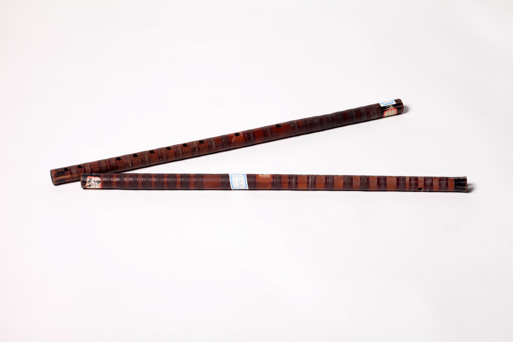 Qudi (Sudifor)  serves as the lead instrument for accompanying in kunqu opera, which can be subdivided into female flute (cidi) and male flute (xiongdi). The female flute is usually played with xiaogongdiao (a pitch collection with its gong—fundamental—tone corresponding to the tone produced by the xiaogong fingering on the kunqu flute for sheng (the main male roles) and dan (female roles). The male flute is a bit thicker, a half-tone lower than the range of the female one, and is played for jing (the painted face male roles) and mo (mid-and old-aged male roles). Both flutes combined can realize modulation by rolling the gong note .