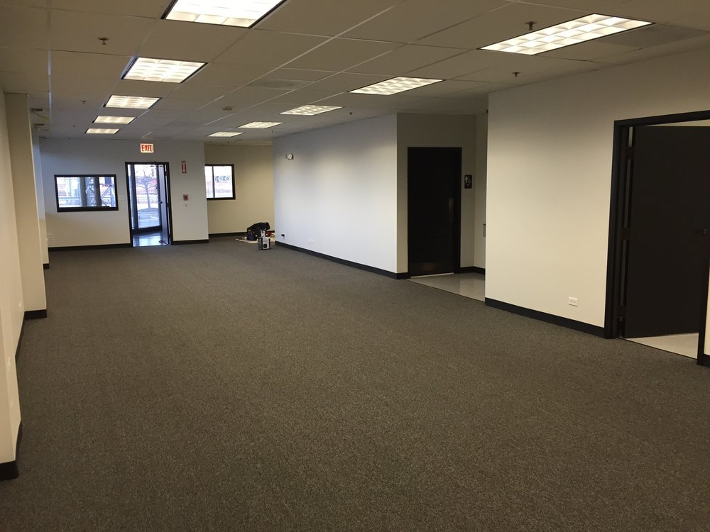 Freshly painted interior space of a Chicagoland medical facility office. Job completed by the reliable Painters Inc. team.