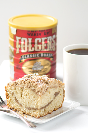 Old-Fashioned Coffee Cake, by Cookie Dough and Oven Mitt