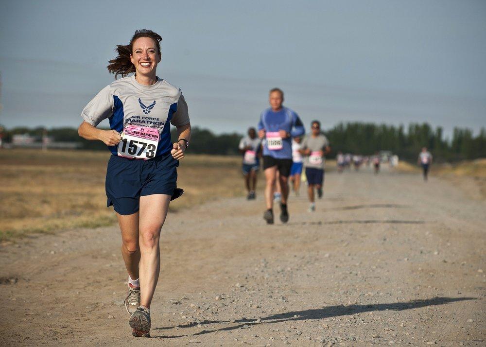 athletes-cardio-dirt-road-34495.jpg