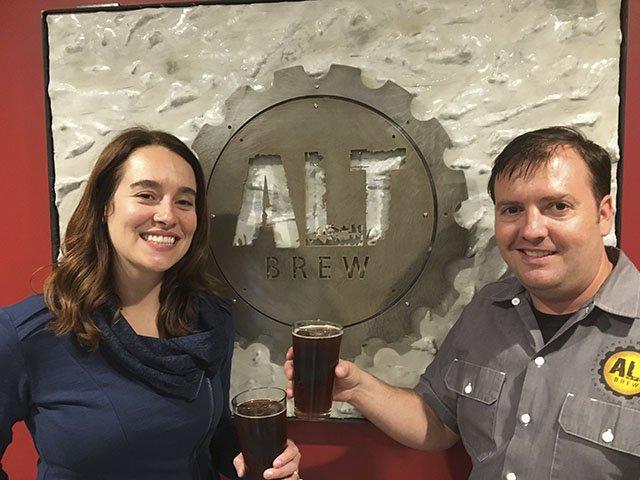 Beer-Alt-Brew-Copperhead-Ale-crRobinShepard-10132016.jpg