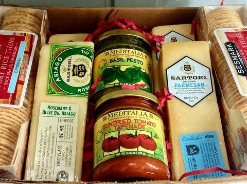 Dec 16 Italian Cheese Box.jpg