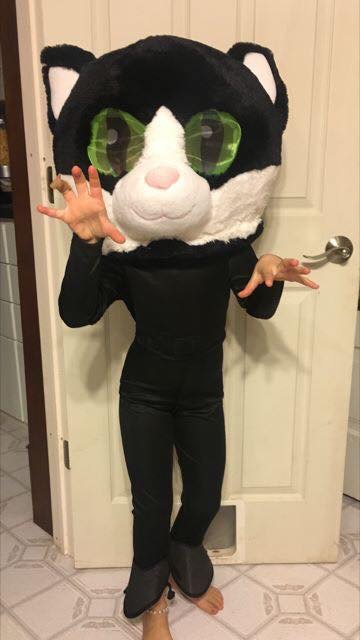 COSTUME CONTEST - ATTENTION BBDC DANCERS:Post your best picture of you wearing your halloween costume on Broadway Bound Facebook page and get the most votes!!! The one with the most LIKES wins!!!!!