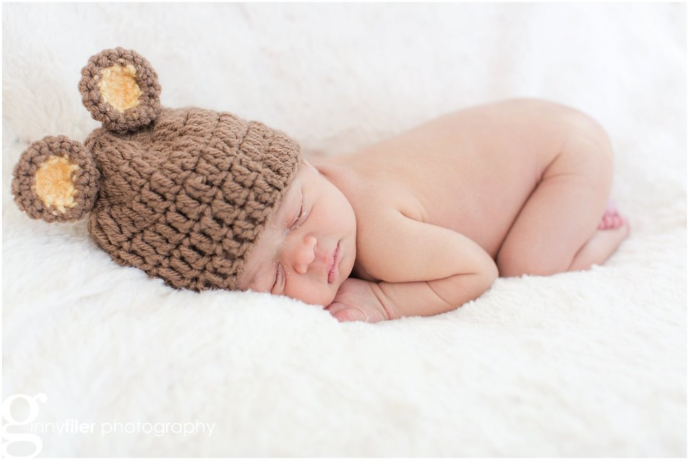 lifestyle_newborn_baby_family_photography_session_0005.jpg