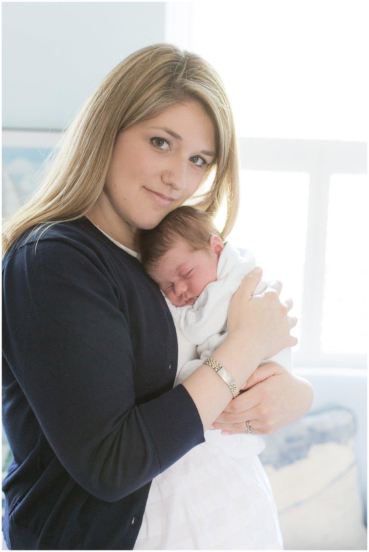 Lifestyle_newborn_Gardner_0003.jpg
