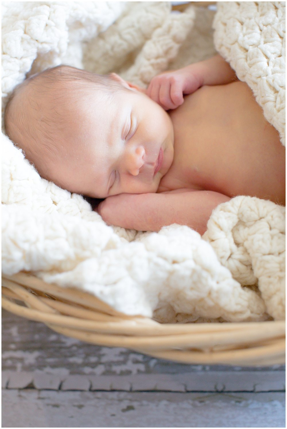 posed_newbornsession_0017.jpg