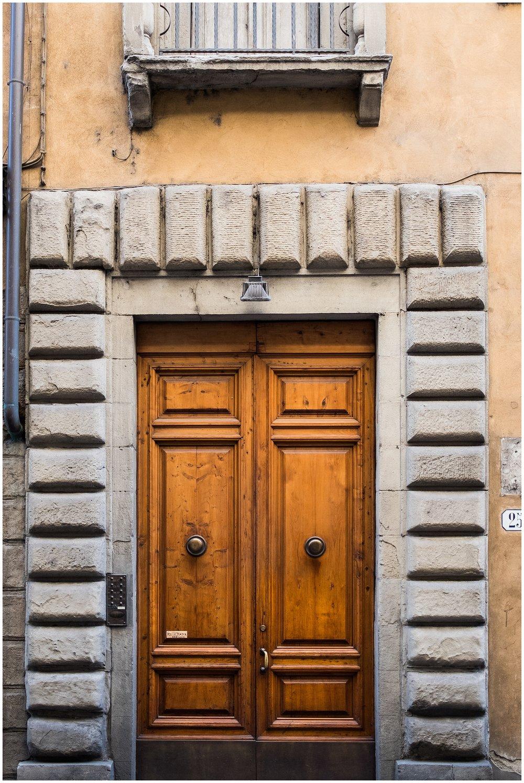 Italy_Doors_0018.jpg