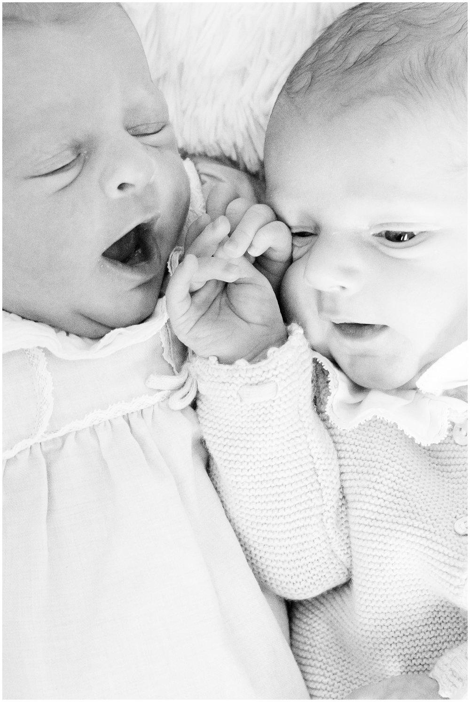 newbornsession_twins_0015.jpg
