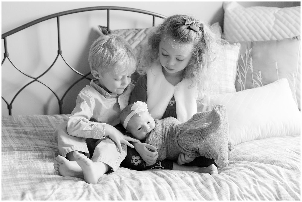 family_newborn_McArthur_0010.jpg