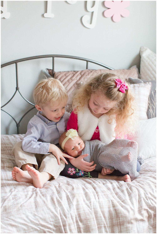 family_newborn_McArthur_0011.jpg