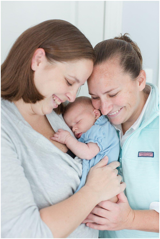 newborn_Schutes_0015.jpg