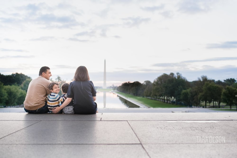 Lincoln Memorial Family Lifestyle Mini Photographer