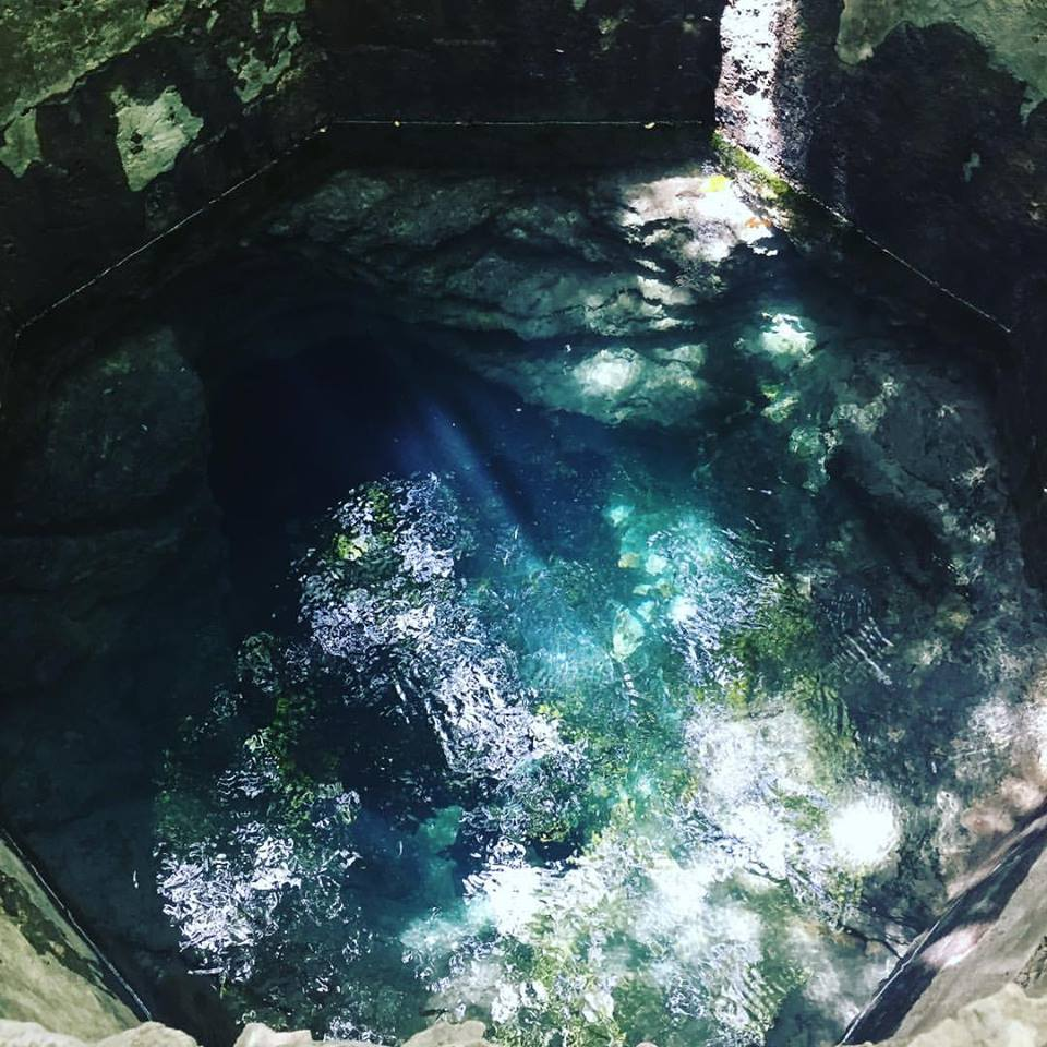 HIW Blue Hole 4.jpg
