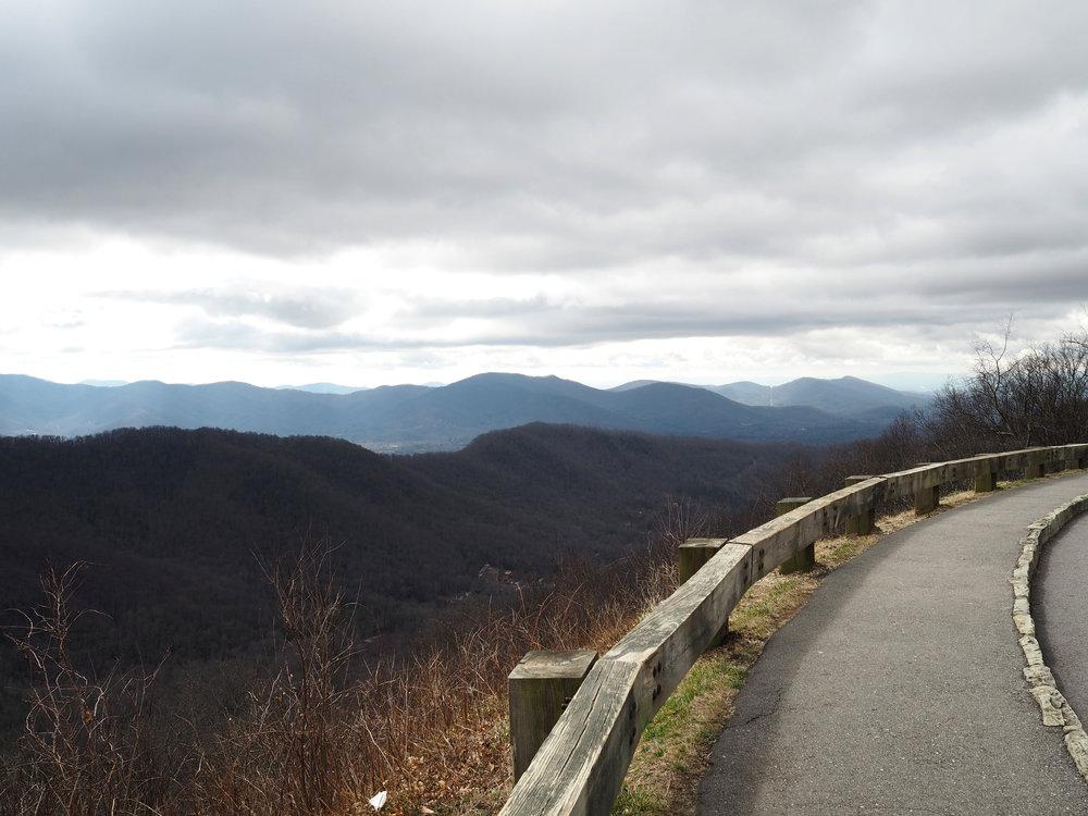 bloomingflourishes_asheville_northcarolina_blueridgeparkway_mountains_1