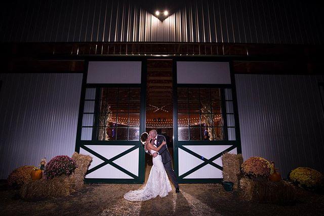 Saturday spotlight 🔦 👰 💍 . . . . . #weddingphotography #weddingfun #weddinginspiration #weddingphotographer #weddingnight #paweddingphotographer #pawedding #fun #inthespotlight #nightphotography #nightportrait