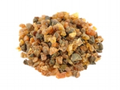 Myrrh: which helps to balance hydration, remove toxins from the skin and encourages skin repair.