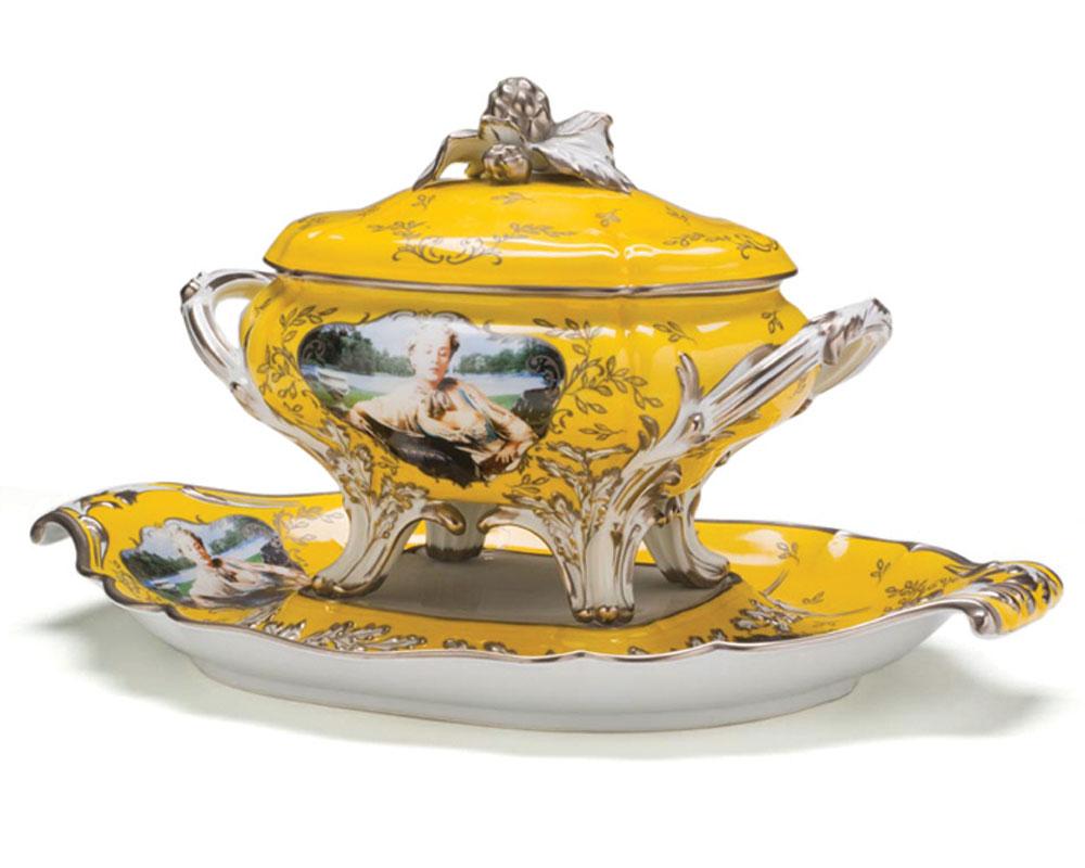 Cindy Sherman   Madame de Pompadour (nee Poisson) soup tureen, 1990, porcelain, glazed, silk-screened, painted.