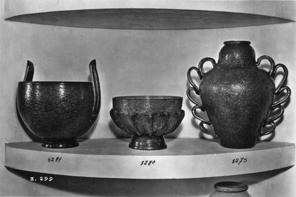 Works in Pulegoso glass exhibited at the IV Triennale di Monza, 1930.  Image courtesy of Wright.