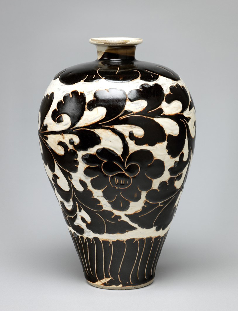 Vase, 960–1280, Song dynasty, China, Artist unknown. Buff stoneware, incised floral designs painted in dark brown on a white cutaway ground.  The Fitzwilliam Museum, Cambridge, Bequest of Sir Gervase Beckett, © The Fitzwilliam Museum, Cambridge.