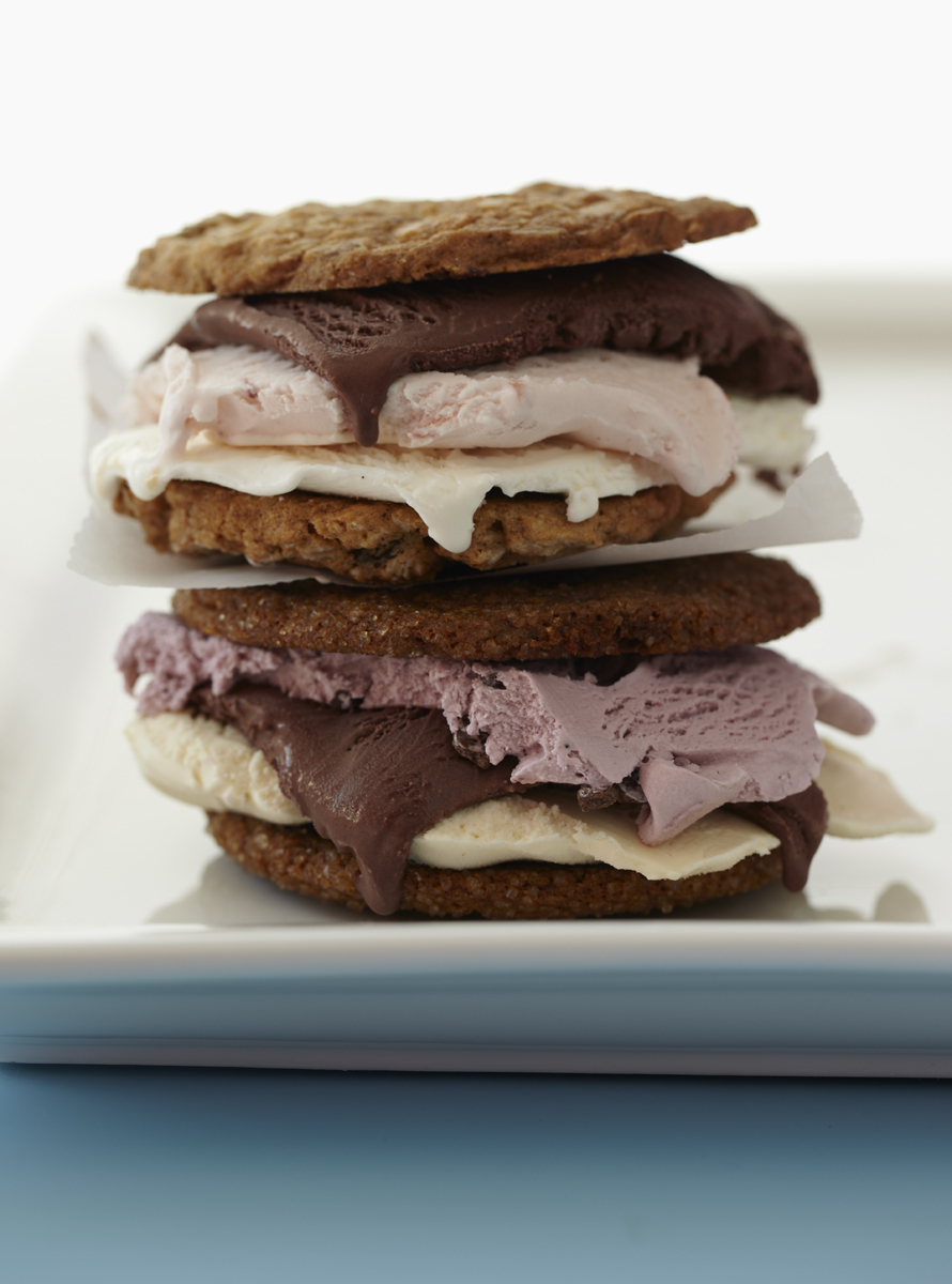 25_1_48_1ice_cream_sandwiches.jpg