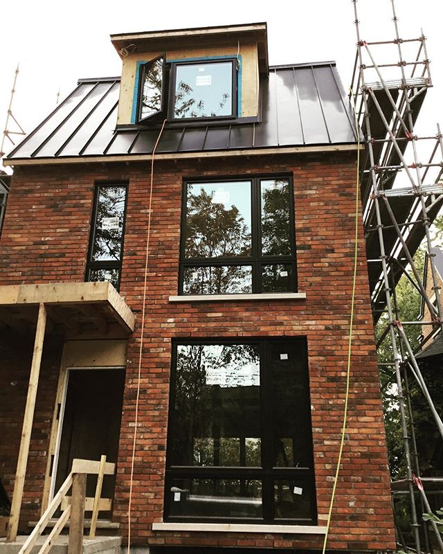 In Progress: New or old? At our Riverdale project, our clients opted to use reclaimed brick on the new front elevation of their home. We love how this turned out, immediately adding a dimension of character not found when using brand new materials.  Let us know what you think! · · · · #architecture #interiorstyle #interiordesign #sierracustomhomes #architecturelovers #customhomes #toronto #housetour #custom #design #torontoarch #archilovers #urbto #housetour #custom #dreamhome #realestate #torontorealestate #details