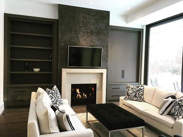 Visiting our clients after move in is always exciting as we get to see in incredible ways they furnish and style a space.  We think this living room came together incredibly. Let us know what you think of the space. · · · · #sierracustomhomes #torontoarch #archilovers #urbto #luxurylifestyle #luxuryrealestate #luxuryhomes #toronto #details #torontrealestate #realestate #contemporary #transitional #lyttonpark #custom #customhomes #dreamhome #realestate #timeless #tbt #torontorealtor #torontohomes #torontobuilders #gtarealestate #homebuyers #hometour #luxurybuilding