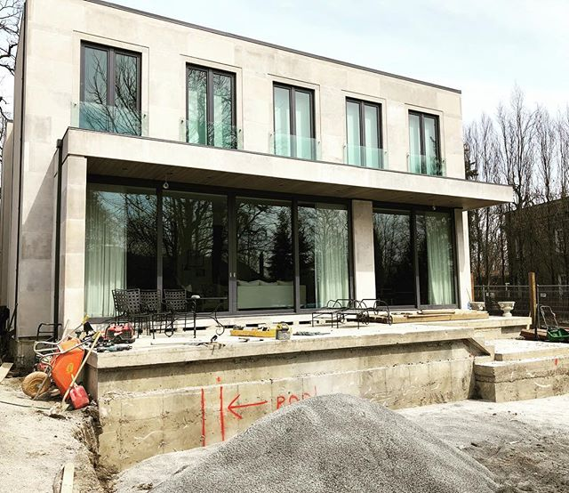 Landscaping weather is finally here. Infinity pool up next🏊♀️ · · · · #sierracustomhomes#torontoarch #archilovers #urbto #luxurylifestyle #luxuryrealestate #luxuryhomes #toronto #details #torontorealestate #realestate #contemporary #modern #foresthillrealestate #custom #customhomes #dreamhome #southhill #realestate #timeless #tbt#torontorealestate #torontorealtor #torontohomes #the6ix #torontobuilders #realestateagent #gtarealestate #homebuyers #luxurybuilding