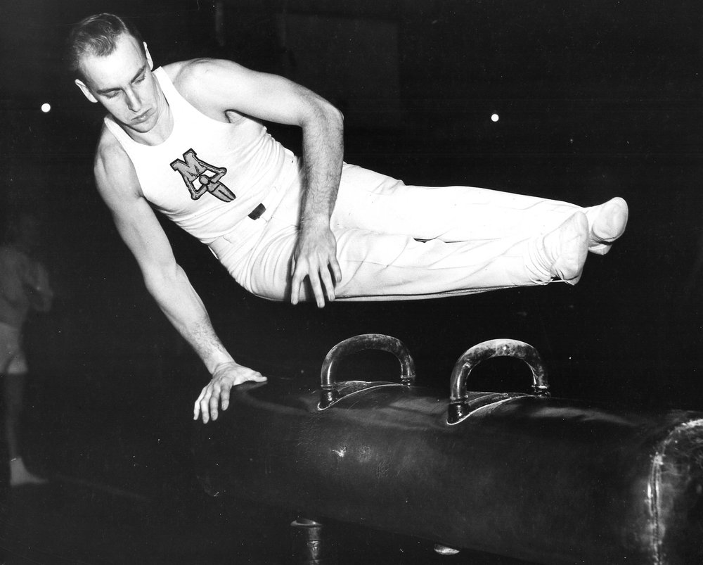 Cliff Gonyer on Pommel Horse (1951)