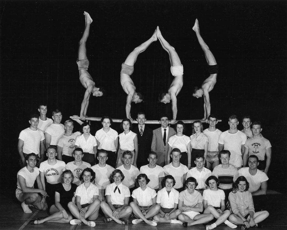1951-52 Troupe.jpg