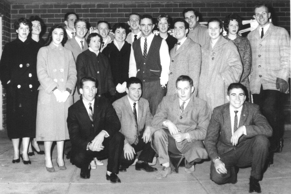 1958-59 troupe.jpg