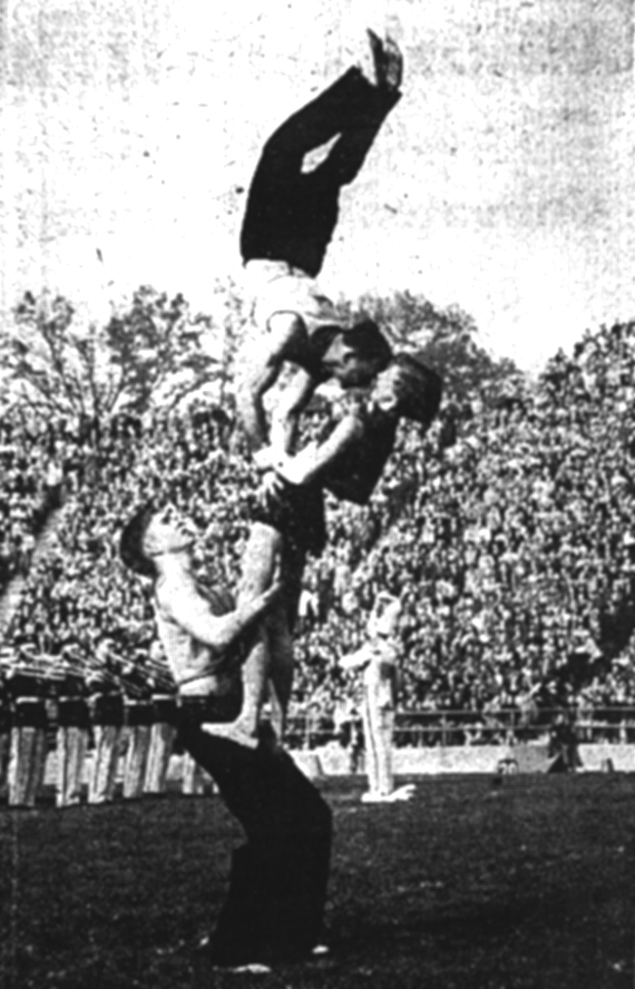 1953 Miss-MD football halftime
